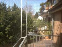 Balkon mit Blumenkasten