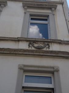 Katzennetz-System am Fenster