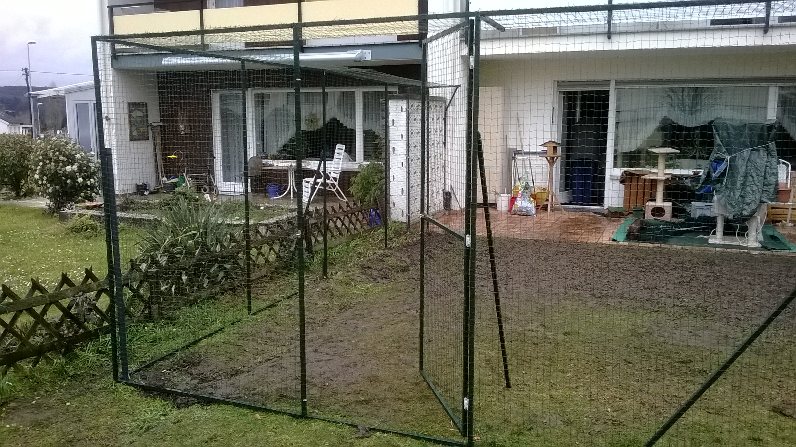 katzenfreilaufgehege vom katzennetz profi With whirlpool garten mit balkon mit markise katzensicher machen